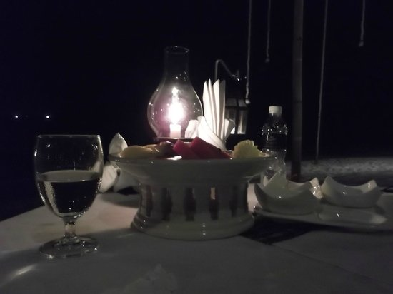 Thavorn Beach Village Resort & Spa : A private candlelight dinner.