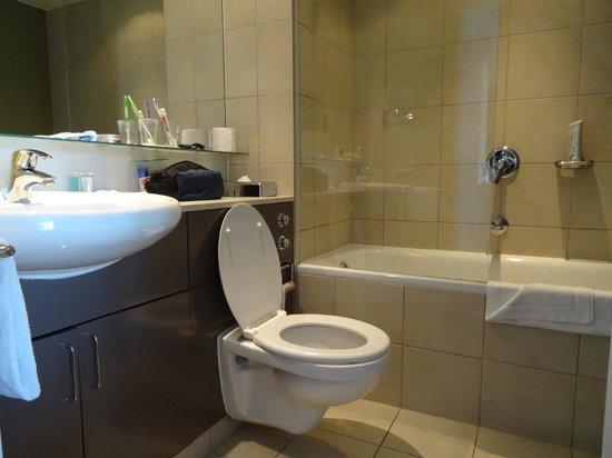 Adina Apartment Hotel Copenhagen : Bathroom