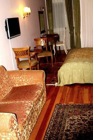 Uyan Hotel : chambre