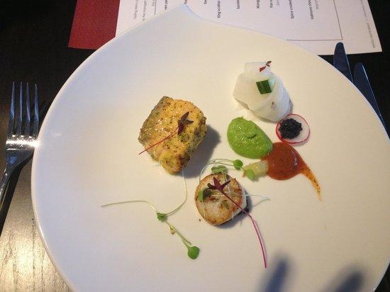 Haveli: Salmon, scallop and caviar