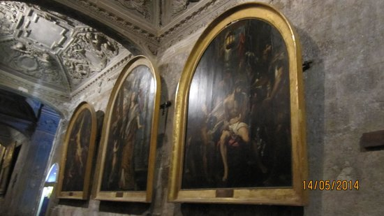 Cathedrale Notre Dame du Puy: 3 paintings