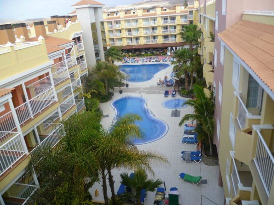 Hotel Costa Caleta : Pool area, view from the  roof terrace