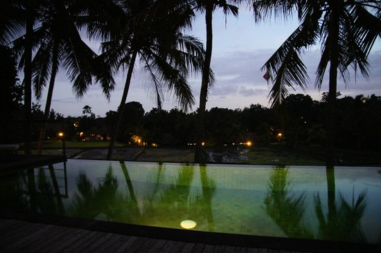 Motama Villa: Vue de la chambre de nuit