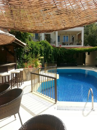 Aegean Gate Hotel : pool side bar and seating area