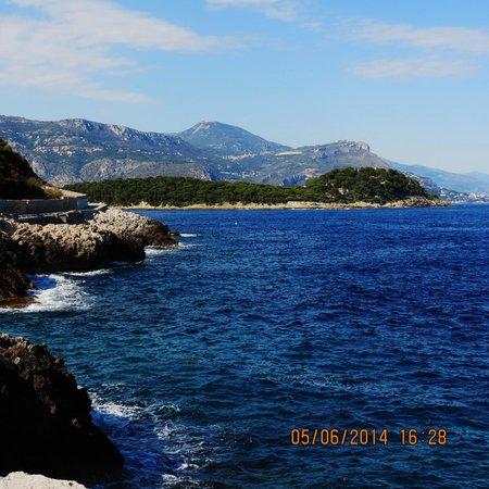 Saint Jean-Cap-Ferrat Hike: View Approaching St. Jean