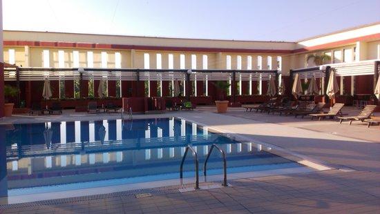 Sofitel Algiers Hamma Garden : Бассейн
