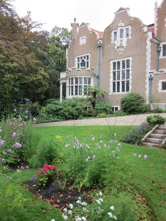 Olveston Historic Home: Gardens at Olveston