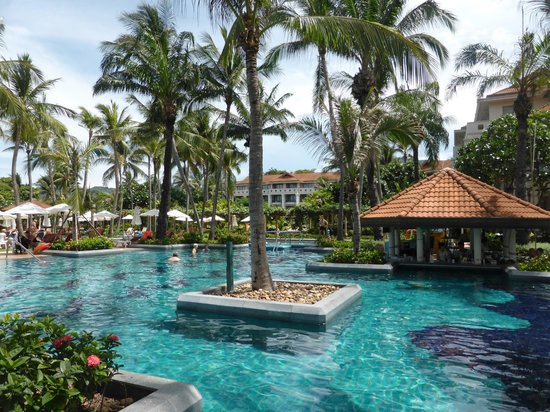 Centara Grand Beach Resort Samui : Pool area