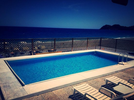 Playa Sole Luna: Pranzo a bordo piscina