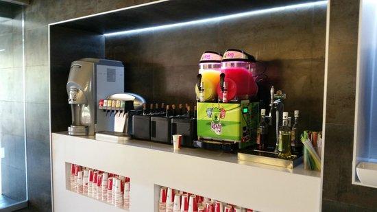 Barcelo Fuerteventura Thalasso Spa: Self service snack bar