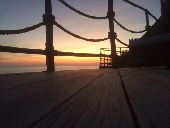 Constance Moofushi: wonderful sunset