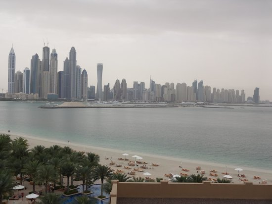 Fairmont The Palm, Dubai: Marina View from Hotel in the Morning