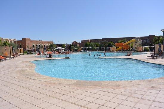 Kenzi Club Agdal Medina : une des piscines