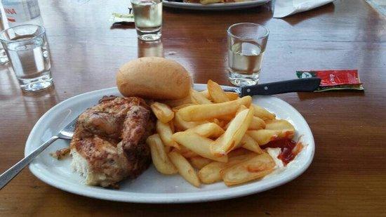 Speck Stube Malcesine: Half roast chicken and chips. Yum!