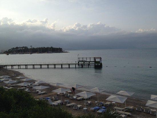 Club Med Kemer: PLAGE ET PONTON DE SKI NAUTIQUE