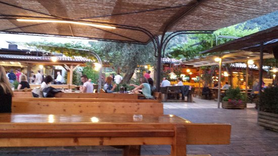 Speck Stube Malcesine: Outdoor seating area