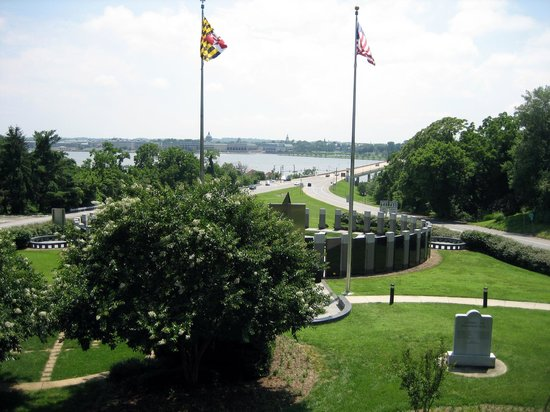 Historic Annapolis: Maryland World War II Memorial, Annapolis