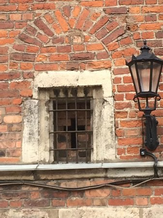 Riga Free Tour: Become a saint, wall yourself in...