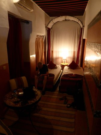 Riad Dar Nael : Our twin room
