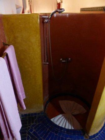 Riad Dar Nael: Shower