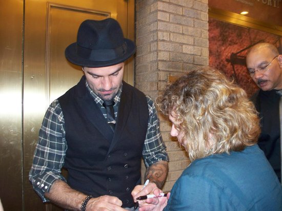 Les Miserables: Ramin signing my shirt~swoon