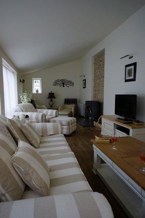 Maison Laurent : Part of the Lounge area