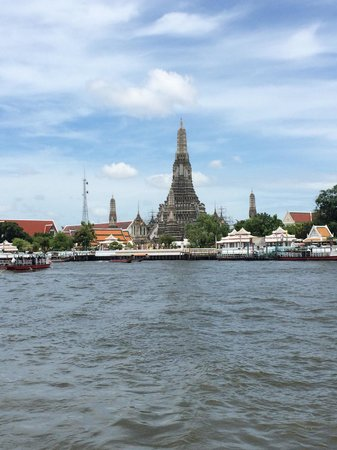 Templo del Amanecer (Wat Arun): From the river