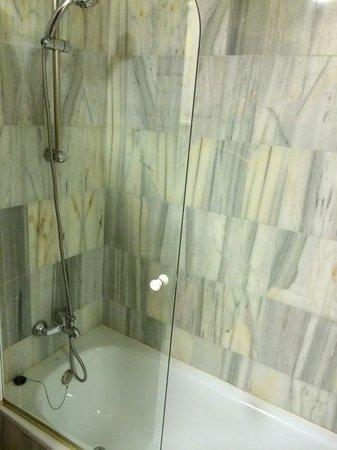 Hotel Murillo : bañera