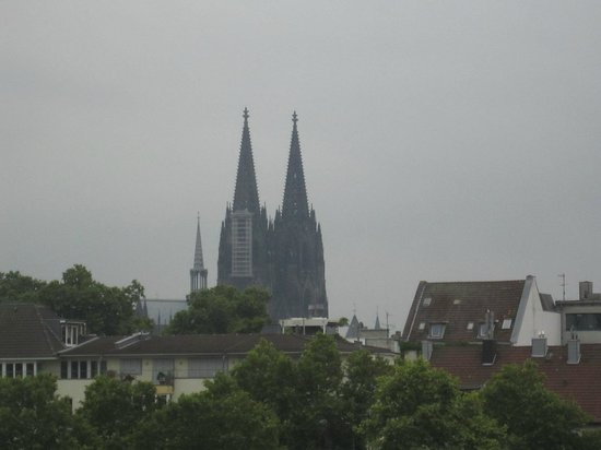 NH Köln Mediapark: Der Ausblick am Abend