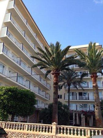 OLA Hotel El Vistamar : zicht op het hotel