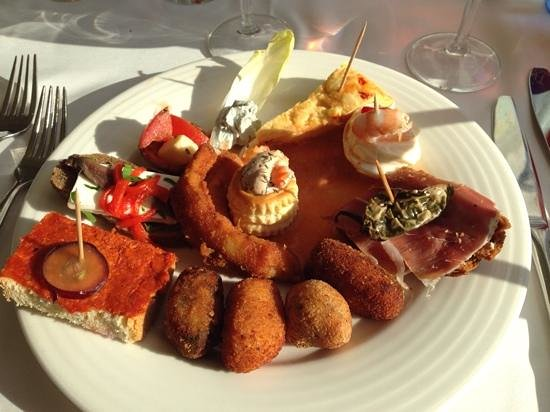 OLA Hotel El Vistamar: tapas als voorgerecht
