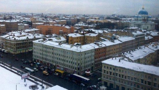 Azimut Hotel Saint Petersburg: Азимут отель. Вид из моего номера