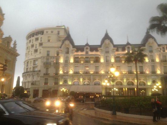 Cafe de Paris Monte-Carlo : Hotel de Paris opposite us