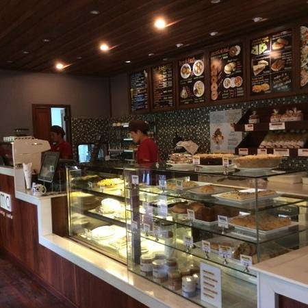 Joma Bakery Cafe : various foods