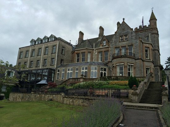 Culloden Estate & Spa: THE HOTELS REAR VIEW.