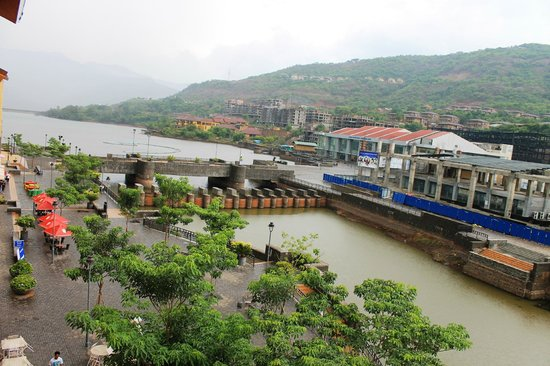 The Waterfront Shaw, Lavasa: Promenade Facing Room