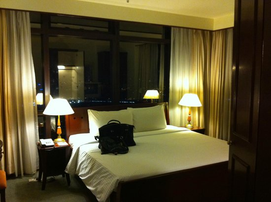 Berjaya Times Square Hotel, Kuala Lumpur : Main bedroom of 2 bedroom suite