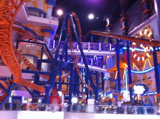 Berjaya Times Square Hotel, Kuala Lumpur : Theme park inside the mall attached to the hotel