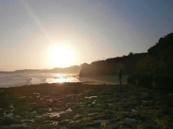 Praia dos Olhos de Água : Olhos de Agua Beach