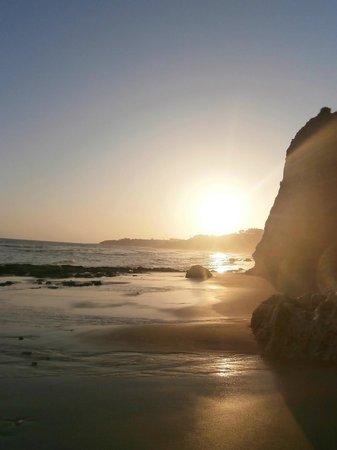 Praia dos Olhos de Água : stunning sunsets