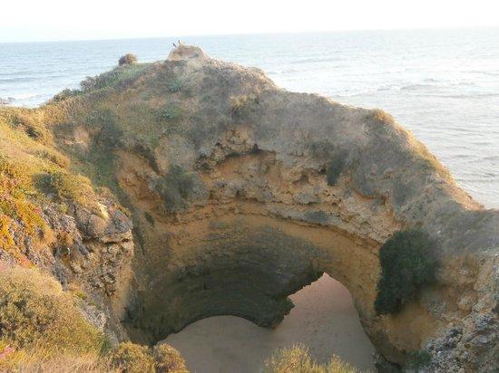 Praia dos Olhos de Água : cool rock formations!