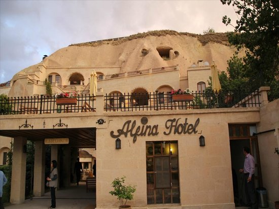 Alfina Hotel: 昼間の概観