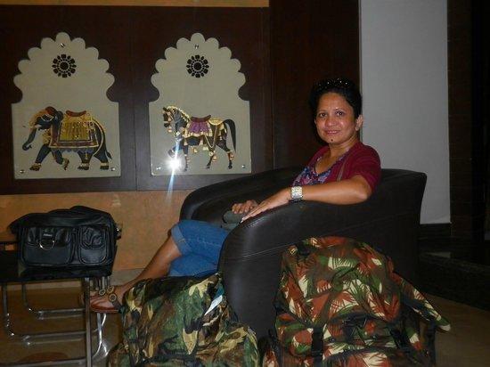 Dayal Hotel: Reception
