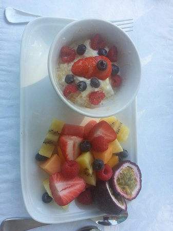 Athelstane House: Delicious fruit platter and muesli