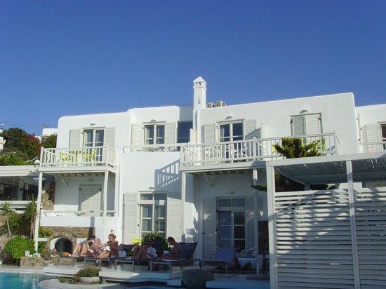 Semeli Hotel: Rooms by main pool