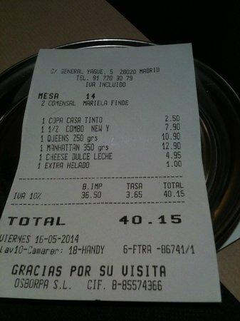 New York Burger: La cuenta para dos personas