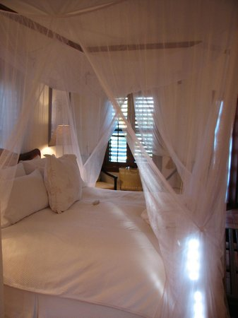 Victoria House Resort & Spa: Our Romantic Bedroom