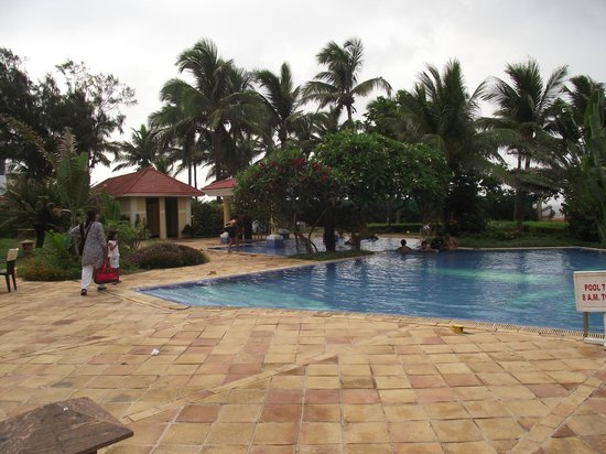 The Hans Coco Palms : THE POOL