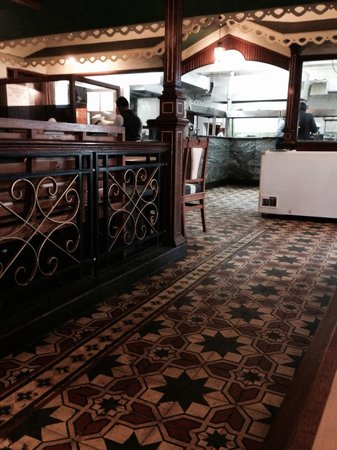 Nahar's Nilgiris Hotel: Garden restaurant of Nahars in ooty