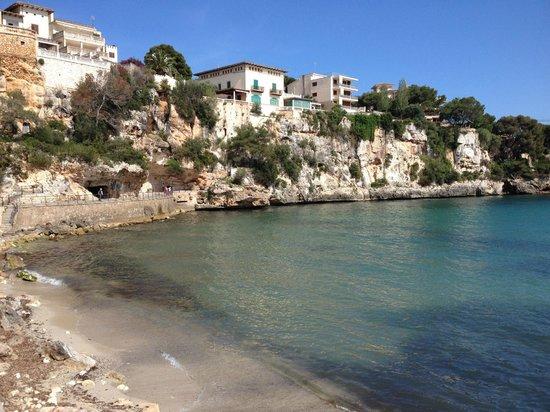 THB Class Felip : far side of the beach